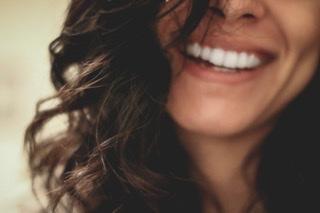 Ser Feliz y Estar Contento: